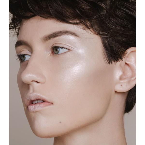 Sombra Ojos + Colorete Cremoso Guilty Shades de MÁDARA - Frost 62 4ml.