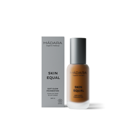 Maquillaje Base Skin Equal de Madara SPF 15,  30ml - Fudge #80